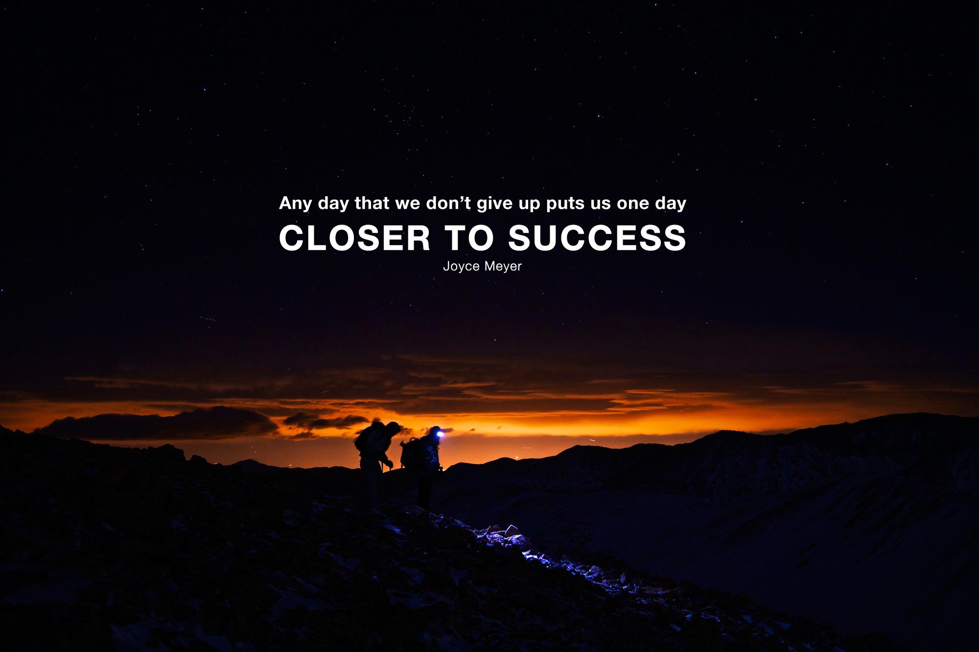 Success Motivation Hike Photo by Zach Dischner